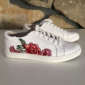 NEW Kenneth Cole White Floral Sneakers Size 10